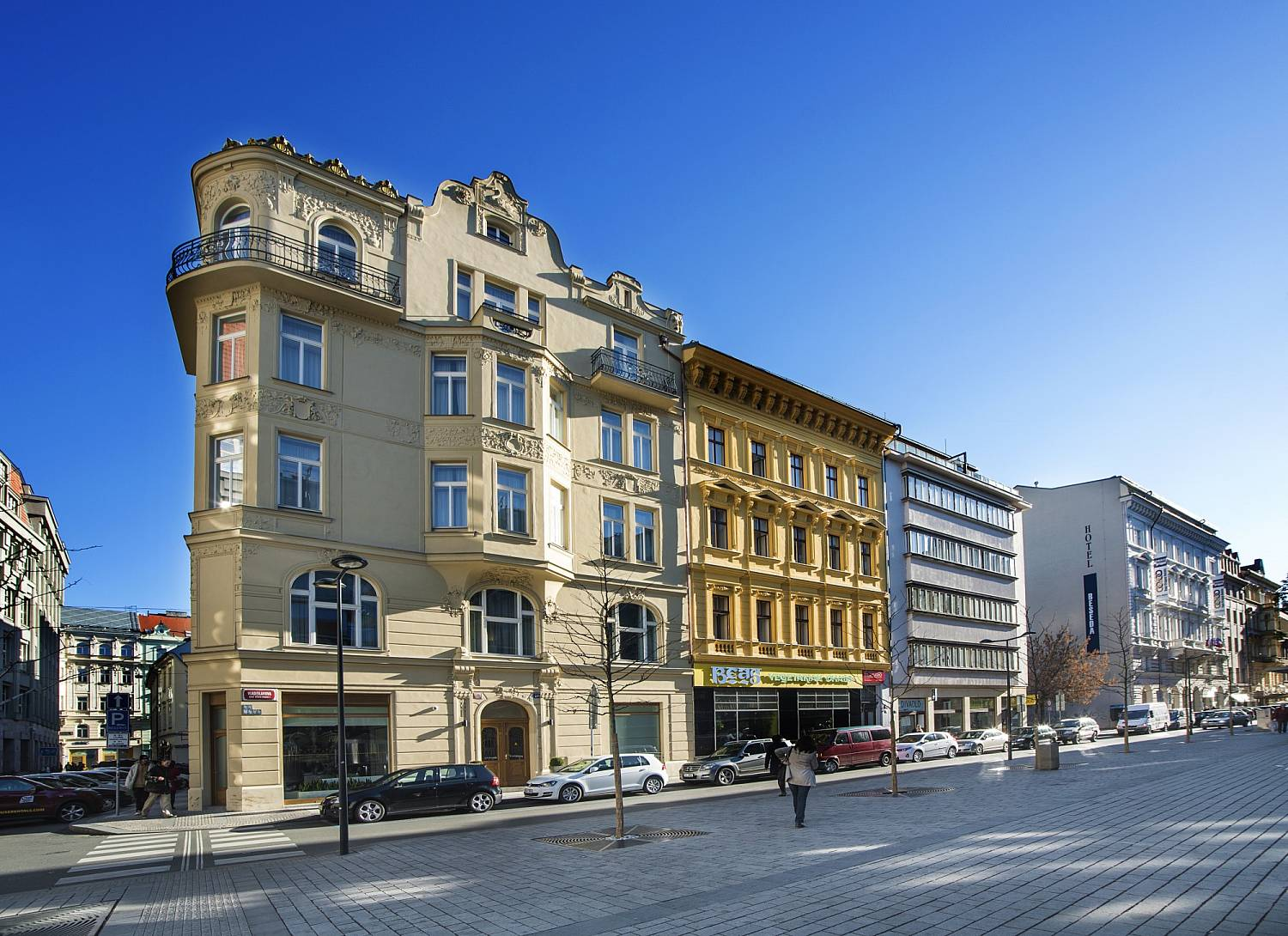 Galleria fotografica hotel golden crown prague for W hotel prague