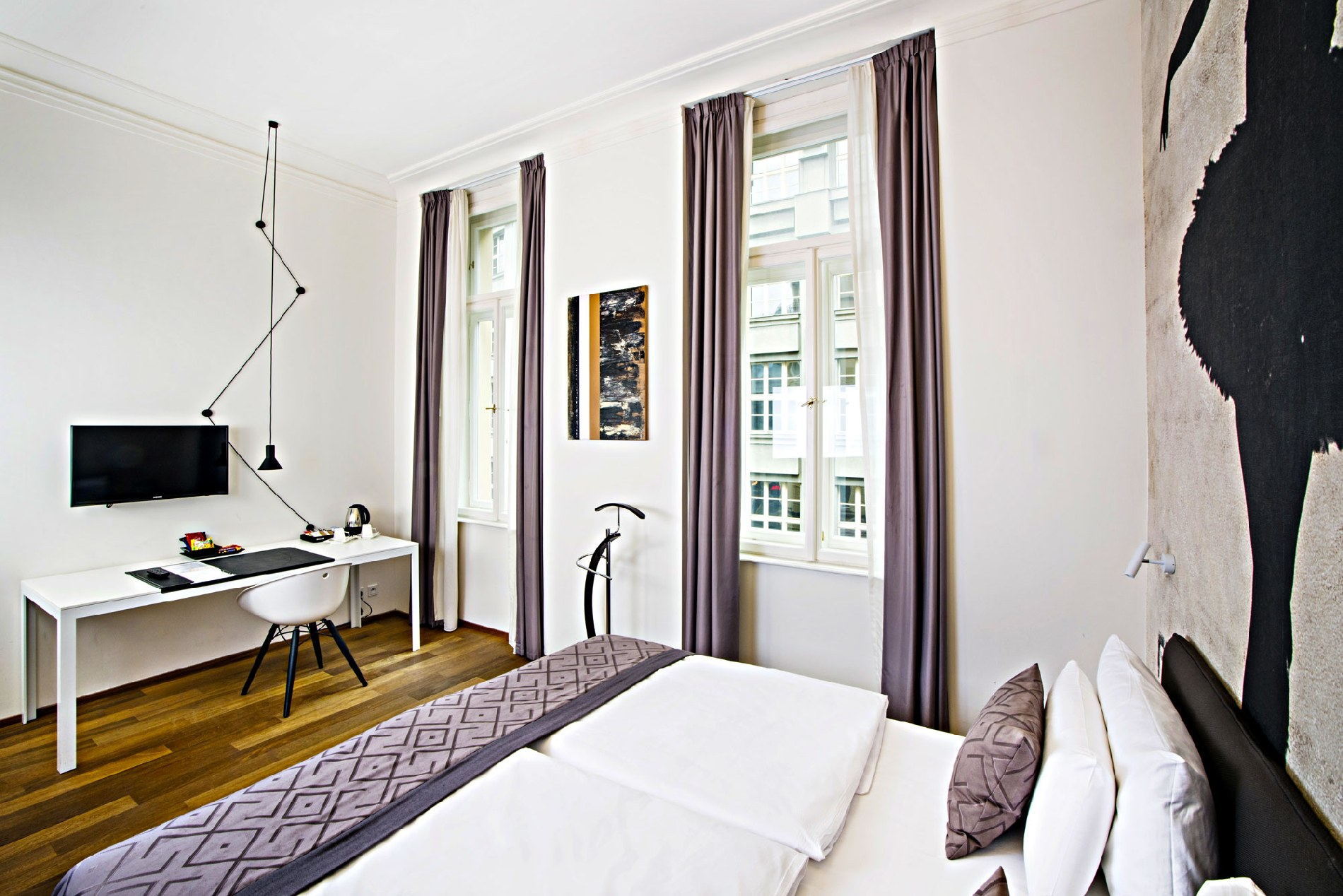 Room size: 27 m². Bed Size: 1 double bed. Occupancy: 1-2 persons. See moreSuperior Double - Street view & Standard Double Room | Hotel Golden Crown Prague